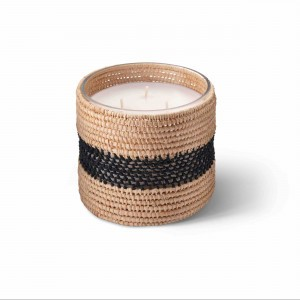 Zayna scented candle from the raffia collection Medium size