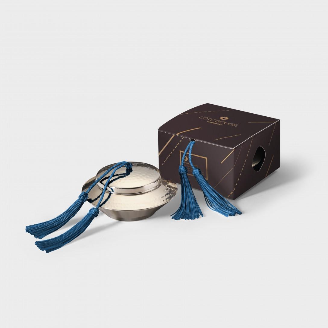 bougie naturelle Bleu Paon avec couvercle de la collection Toupie maillechort